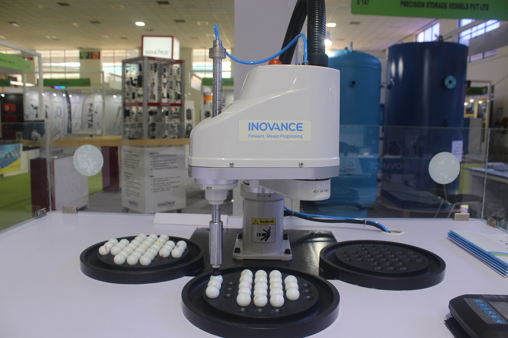 Inovance introduces 4-axes IRS100 SCARA robot to the Indian market at INTEC trade show